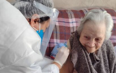 Carine-enfermagem-vacinaA§Ao