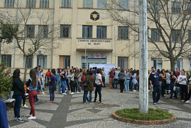 Primeiro dia de provas do Vestibular leva mais 2500 candidatos para a cidade de Irati