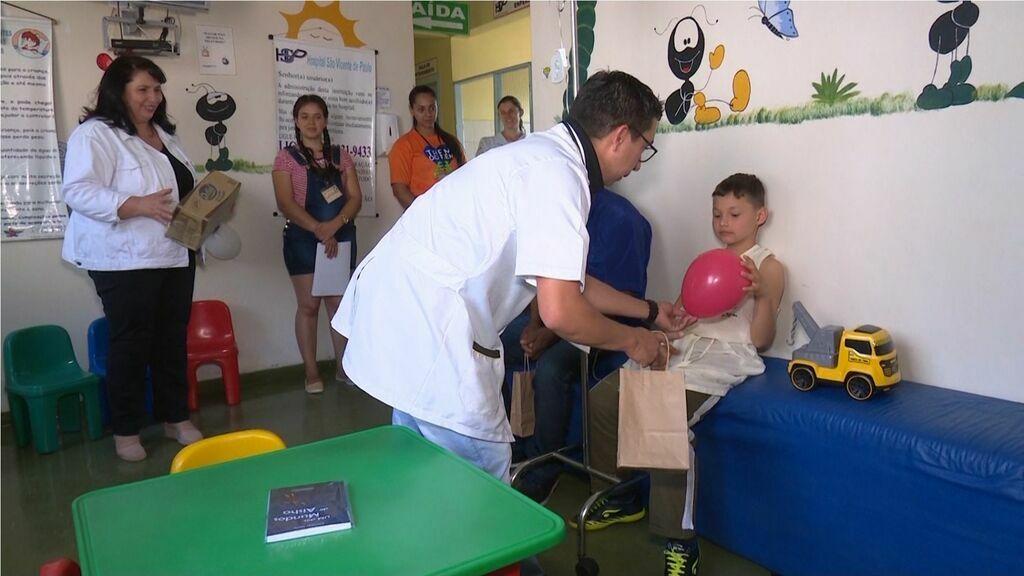 Curso de Pedagogia de Pitanga assume gestão de brinquedoteca hospitalar do município