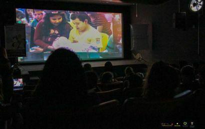 Crianças da Escola Municipal Hypólita participam de sessão especial do Cine Unicentro
