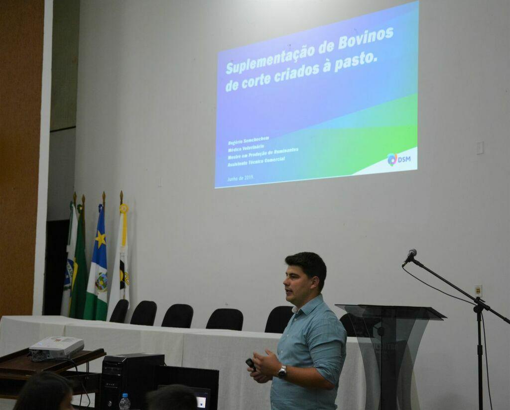 O papel do veterinário na saúde pública é discutido em evento