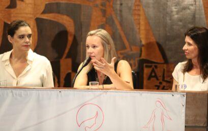 Professora da Unicentro ministra palestra em audiência pública na Assembleia Legislativa do Paraná
