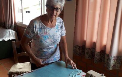 Unatianas costuram máscaras para profissionais da saúde da Unicentro e da região