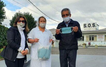 Unicentro repassa, através da Unati, máscaras de tecido para SOS