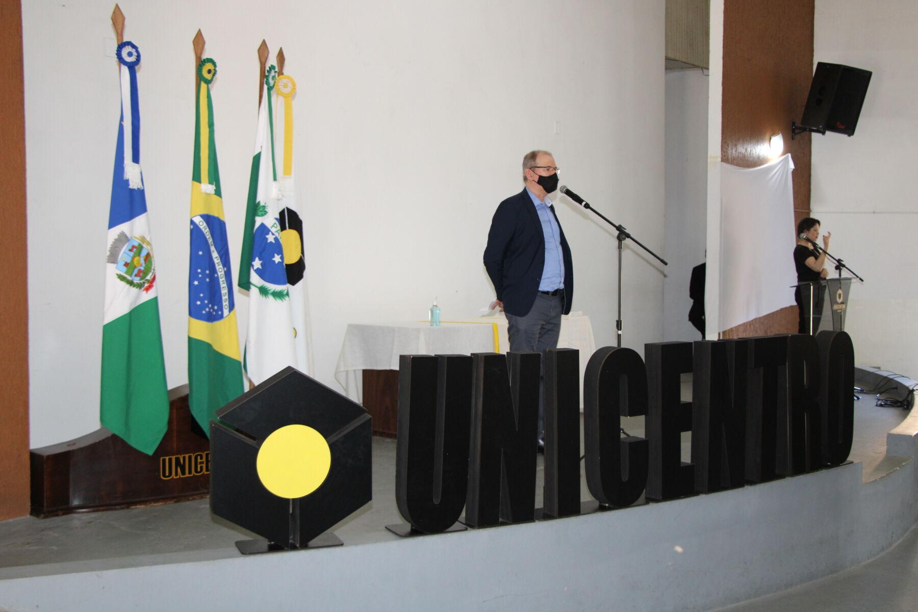 Chefes e vice-chefes de Departamento tomam posse nos três campi da Unicentro