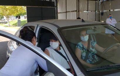 Professores e estudantes de Enfermagem atuam na campanha de vacinação contra a Covid-19