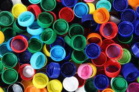 Unicentro arrecada tampas plásticas para trocar por fraldas geriátricas