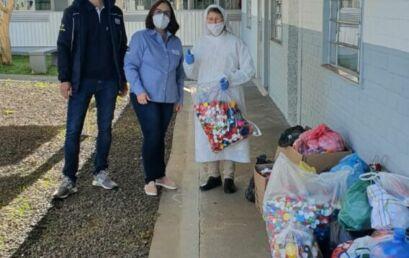 Unicentro arrecada e repassa ao SOS milhares de tampinhas plásticas