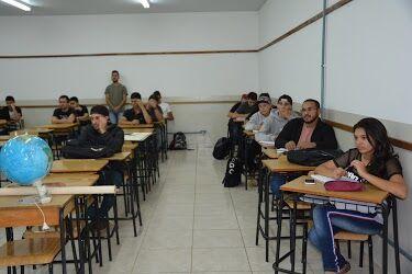 Alunos de Matemática ministram curso de nivelamento para estudantes de Geografia