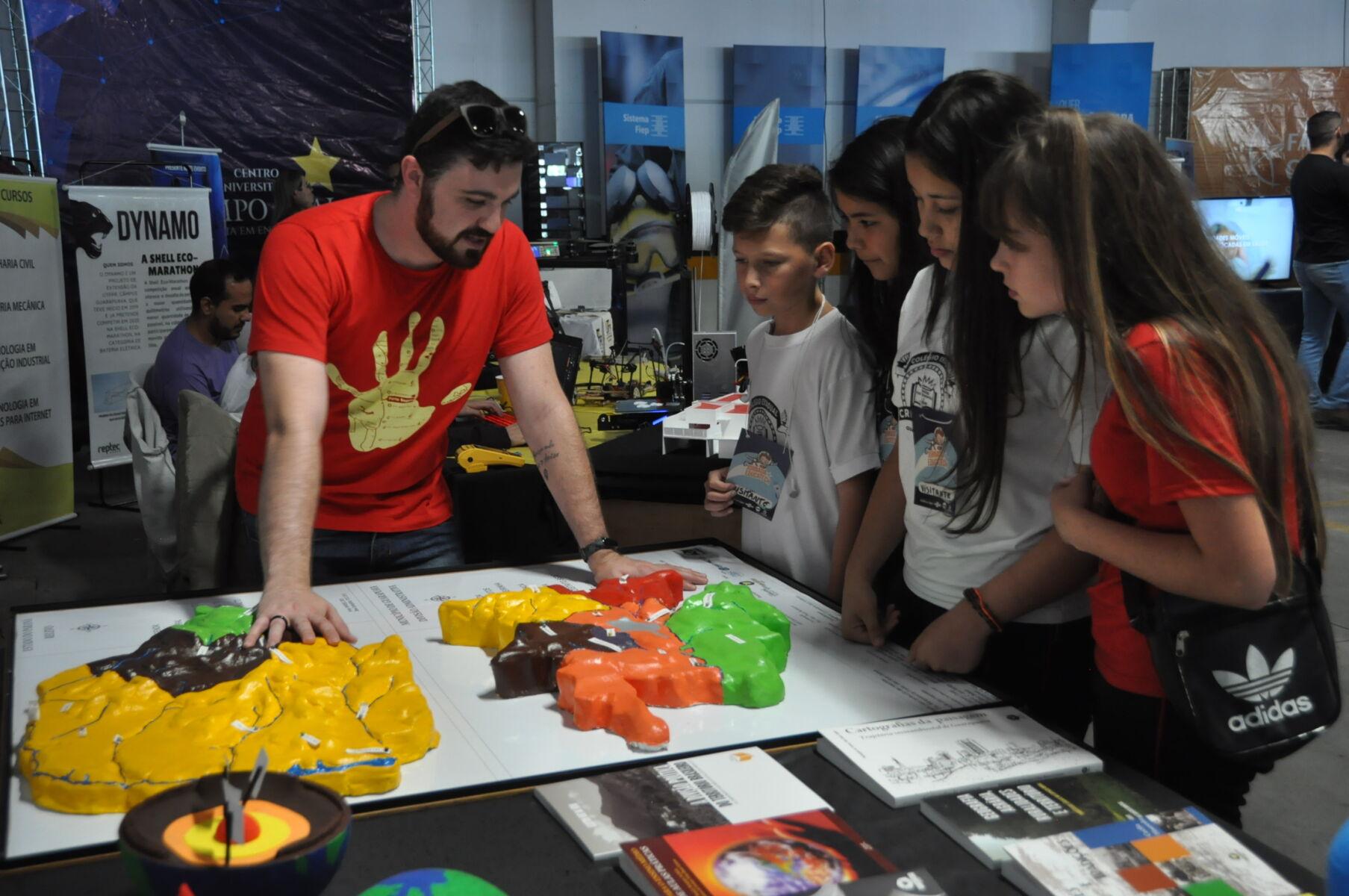 Unicentro participa da Jornada de Inovação e Múltiplos Conhecimentos