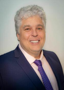 Prof. Ademir Juracy Fanfa Ribas - Vice-Reitor