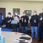Prefeitura de Pinhão recebe da Unicentro materiais de apoio ao combate ao covid-19