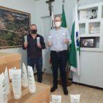 Unicentro repassa álcool-gel para municípios da região